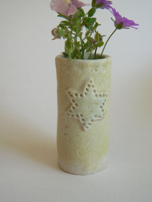 Tiny Vases with Star £7.00