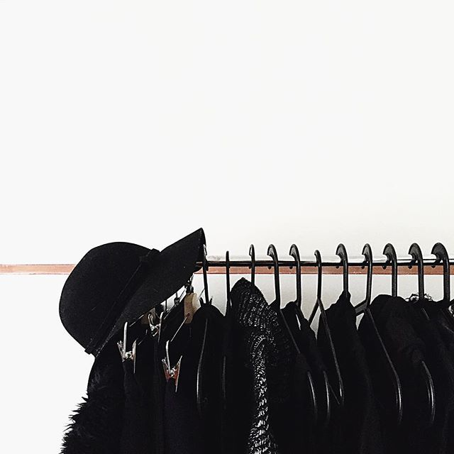 When the only color that you wear is black  // #MINIMALIST
