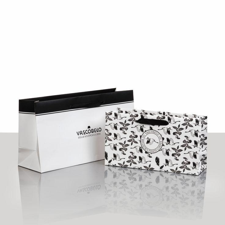 Papier Present - draagtassen in papier en herbruikbaar, geschenkpapier, linten, kledinghoezen