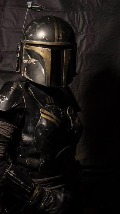https://i.pinimg.com/736x/26/10/8b/26108bd98d9f61acd26c0398cc034ec2--mandalorian-armor-bounty-hunter.jpg