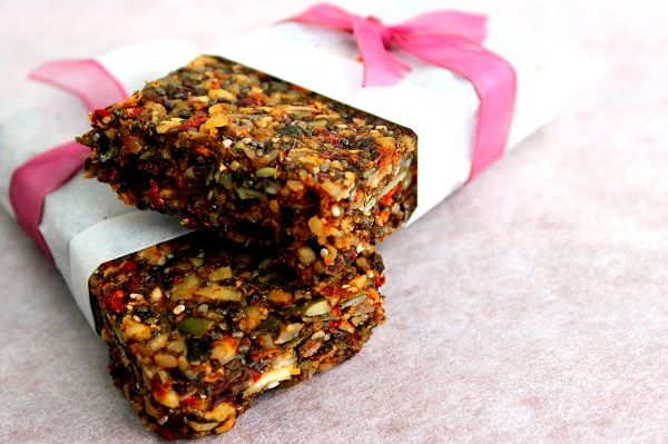 If like me, you sometimes find yourself in a rush to get out the door in the mornings, but you don't want to skip breakfast, you're going to love this little recipe!   These healthy, home-made breakfast bars are easy to make, gluten-free, processed sugar-free, raw and vegan. They're packed with nutritional goodness plus they really make you feel satisfied.  Find the recipe by clicking on the link below. D x  http://nutritionrevival.co.nz/healthy-muesli-bar-recipe/