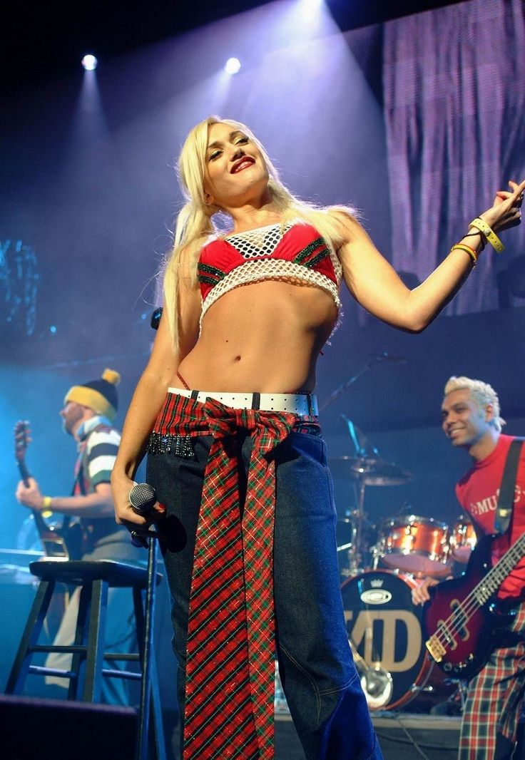 Gwen Stefani Bra Size and Body Measurements | G W E N | Pinterest ...