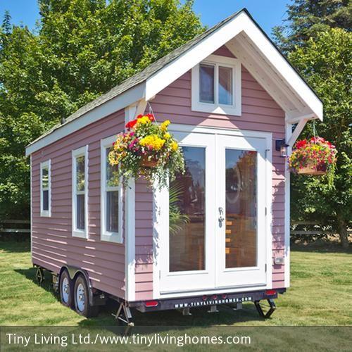 Mobil auf Rädern und hübsch in Rosa: Das Tiny House Poco Pink Edition bietet eine Wohnraumfläche von 15 qm.