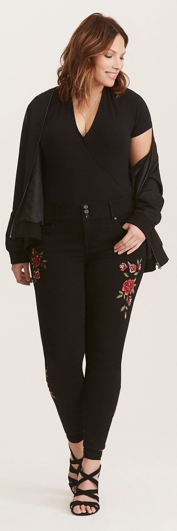 Jeggings - Floral Embroidered Black Wash Plus size