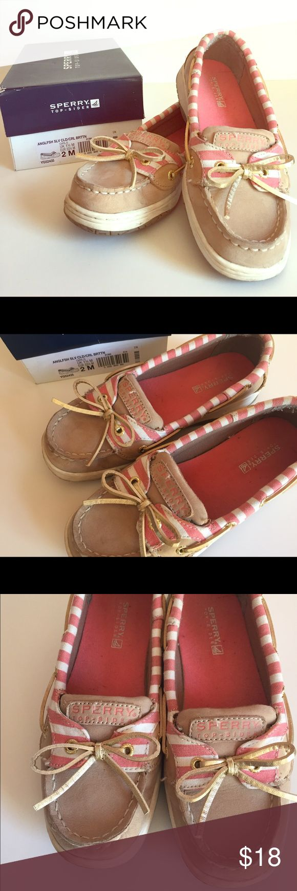 Girls' Sperry Angelfish Boat Shoe Size 2 Great condition pre-owned Girls Sperry Boat Shoe. Color: Oat & Pink. Size 2 Sperry Top-Sider Shoes Flats & Loafers