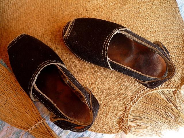 Alpargatas Venezolanas hechas de cuero. Quiero un par!: Leather, Cosas Cuero, Hechas De, Alpargatas Venezolanas, Venezolanas Hechas, My Venezuela