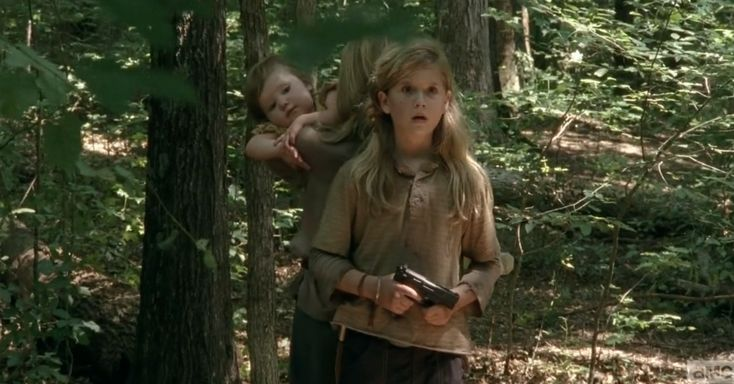 The Walking Dead S04E10 - Lizzie and Mika alone