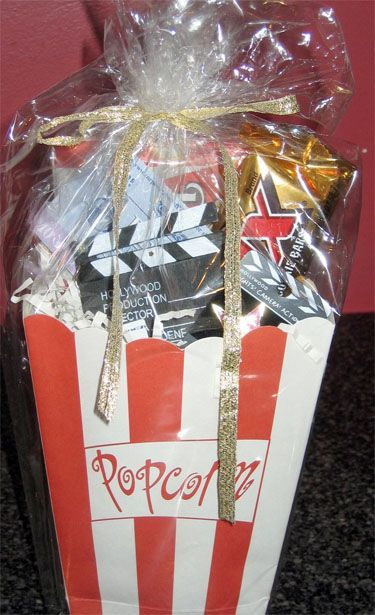 Hollywood themed goodie bags for your movie party guests - Southern Outdoor Cinema expert tip for theming and enhancing an outdoor movie event.