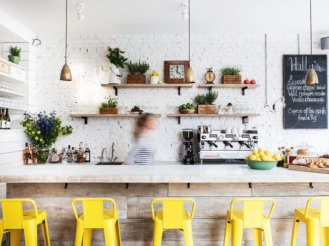 17 mejores ideas sobre paredes de tono amarillo en for Sillas cocina amarillas