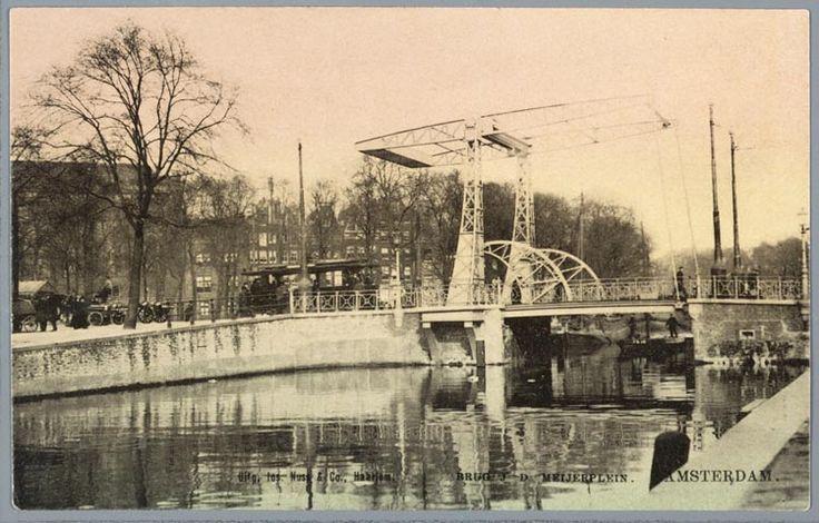 prentbriefkaart van de brug over de Nieuwe Herengracht bij het Jonas Daniël Meijerplein in Amsterdam, ca. 1906