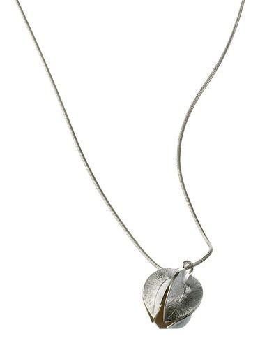 Kalevala Koru, hopeinen Lumikukka-riipus 20 mm halkaisijalla. Tuotenumero 117476385, Stockmannilla 129 €