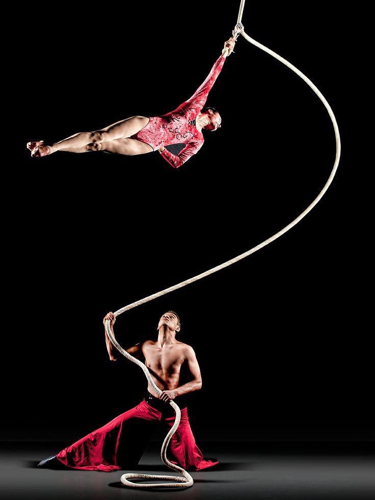 Cirque de la Symphonie (http://www.cirquedelasymphonie.com)  - Photo by Richard Calmes - http://www.pbase.com/rcalmes
