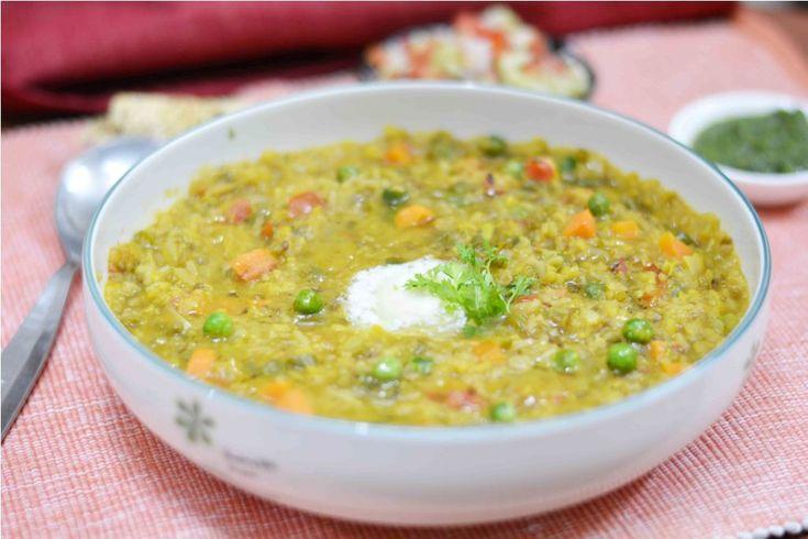 Shahi Khichdi/ How to make shahi khichdi Nothing can be as hearty as khichdi #shahikhichdi #pipinghot #easilydigestible #light #comfortfood #ricedish  Recipe at : www.annapurnaz.in