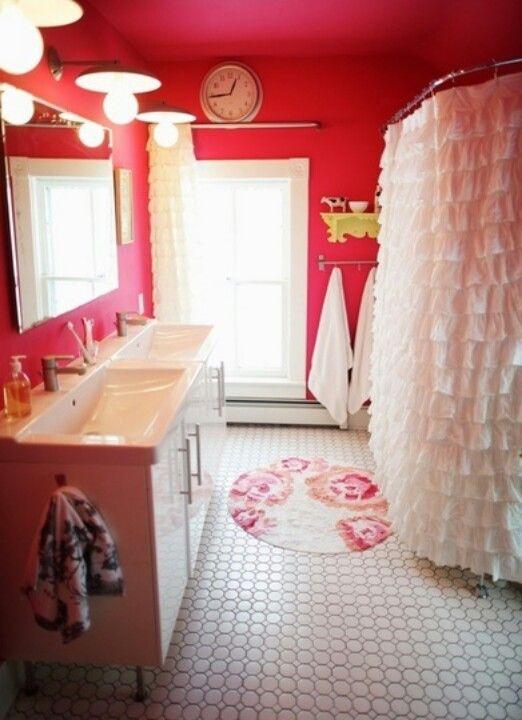 25 best ideas about teenage girl bathrooms on pinterest for Girls bathroom ideas