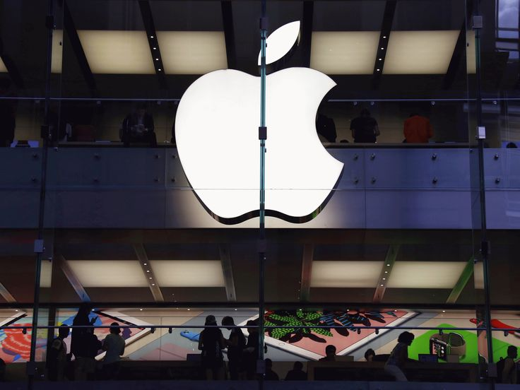 Apple share price 'quadruples' after computer glitch values company at $3.37 trillion