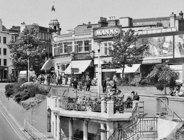 Southend, top of Royal (or Pier) Hill