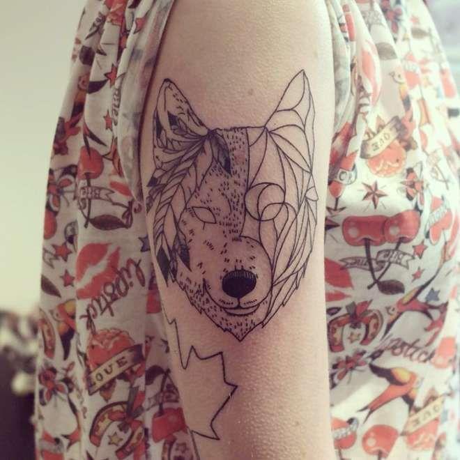 Des animaux sauvages en tatouages animaux et culture - Tatouage geometrique animaux ...