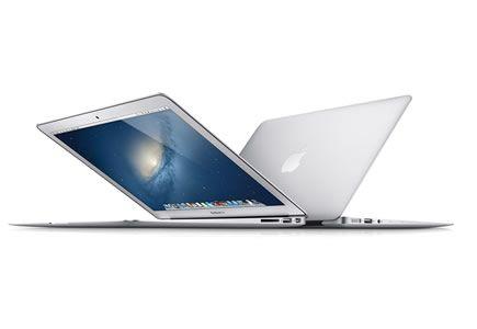 MacBook Air / de 11 y 13 pulgadas. El MacBook Air tiene menos de 2 cm de grosor y solo pesa 1,08 kg. En lugar de un disco duro giratorio, el MacBook air usa almacenamiento flash de estado sólido, lo cual lo vuelve superresistente, estable y muy silencioso, además que ocupa mucho menos (90% menos).
