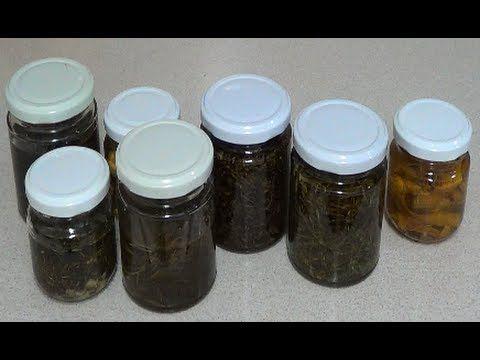 Hola, hoy hacemos una serie de oleatos, o aceites con aroma y propiedades de las hierbas que le ponemos, esto nos va a servir de ingrediente en una serie de ...