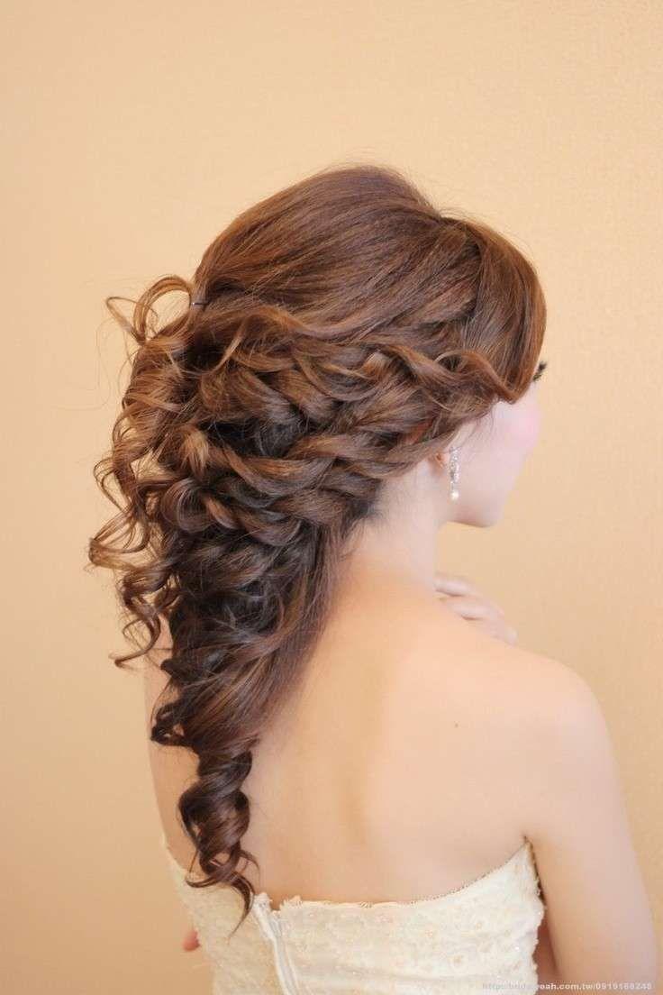 Acconciature per la sposa - Acconciatura per capelli lunghi con riccioli