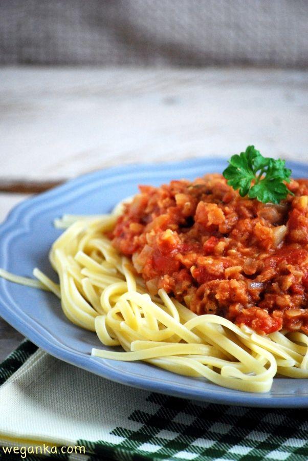 Spaghetti à la bolognese z czerwoną soczewicą