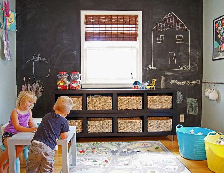 10 idei: Vopsea cu efect tabla de scris si desenatul pe pereti devine o arta