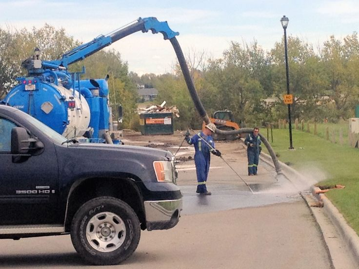 How to clean up a hydraulic fluid spill in Calgary