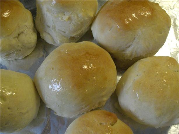 Overnight dinner rolls.  I may try these for Easter.Thanksgiving Dinner, Dinner Rolls, Holiday Recipe, Icebox Butterhorns, Butterhorns Overnight, Favorite Recipe, Overnight Dinner, Rolls Recipe, Dinner Recipe