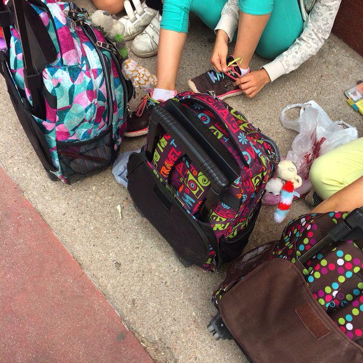 Hemos recibido los nuevos colores de #totto #mochila #backpack  prepara  tu próximo #cursoescolar y olvídate de todo hasta septiembre... Disfruta de las #vacaciones   Llevatela al mejor precio en #bolsosazkona #bolsosgacela #thebackpack
