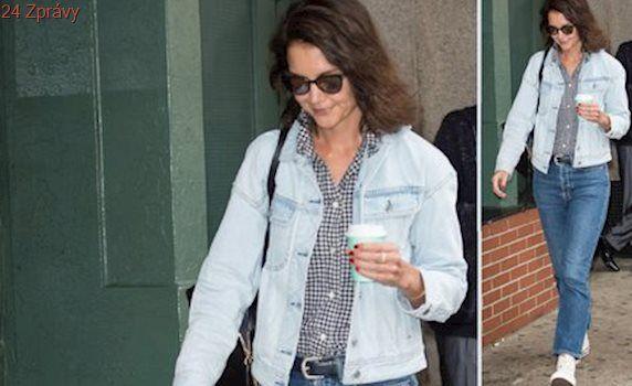 Styl podle celebrit: Džínový outfit Katie Holmes