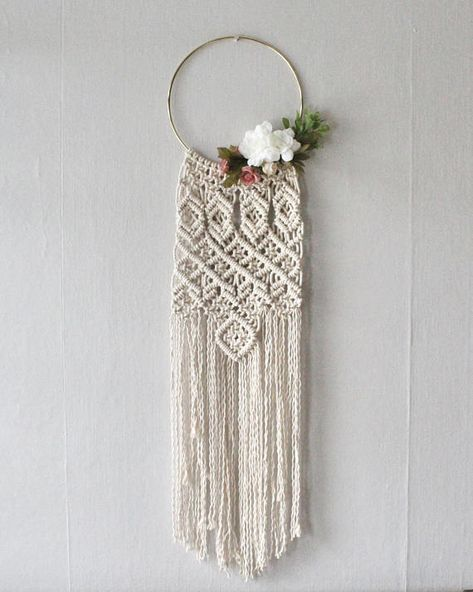 I love this combination of macrame and wreath! This piece has the sweetness of a modern gold hoop wreath, combined with an intricate macrame design. -Hand-knotted using 100% natural (cream) Canadian cotton rope. -Approximately 82 cm(L) x 20 cm(W), on a modern gold hoop -Custom