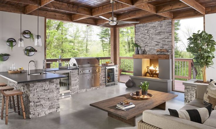 Eldorado Stone - Outdoor Kitchen and Living Space. Eldorado Stone Stacked Stone in Silver Lining