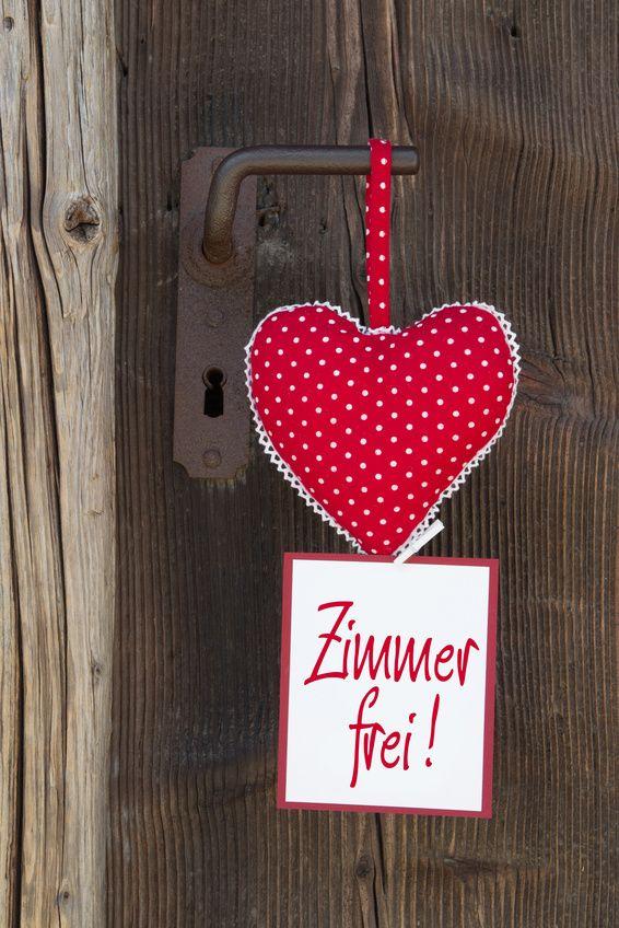 Wir bieten tolle Arrangements für Verliebte!´ www.hoterlgoldeneradler/arrangements.de