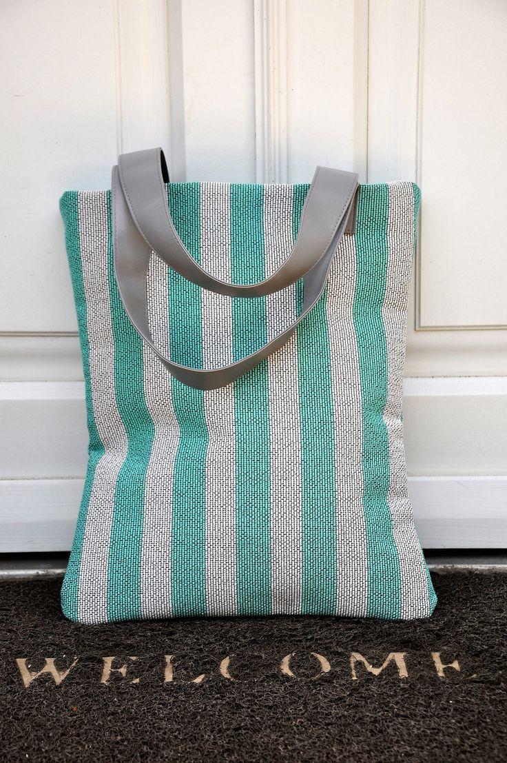 Bright Blue handbag, Easy tote bag, Fashionable handbag, Two tone tote bag, Carry on handbag, Spring handbag, Shopping bag, Knitted handbag