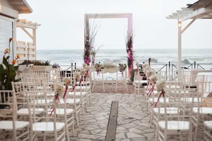 Decorazioni di nozze per un matrimonio in spiaggia