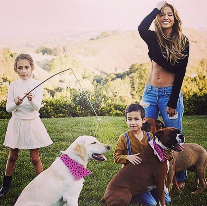 20 světových celebrit, které mají dvojčata a trojčata - Jennifer Lopez