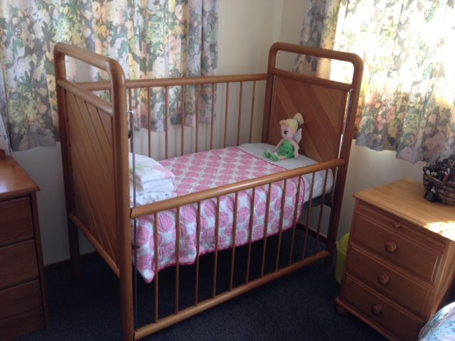 Baby/Infant Cot made from Rimu by Barry Hardy