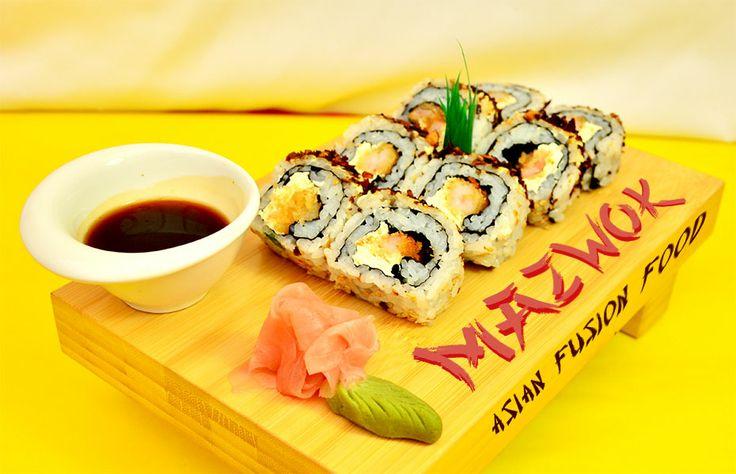 Ikanegui Sewajakara: Los mejores camarones crispis en forma de rolls, bañados en queso crema y cebolla caramelizada.