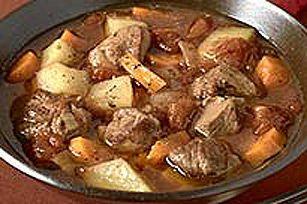 Ce ragoût d'agneau à l'irlandaise est très réconfortant en hiver. Mettez-vous bien au chaud et savourez ce ragoût à saveur de bière, aux légumes et à la vinaigrette Balsamique.