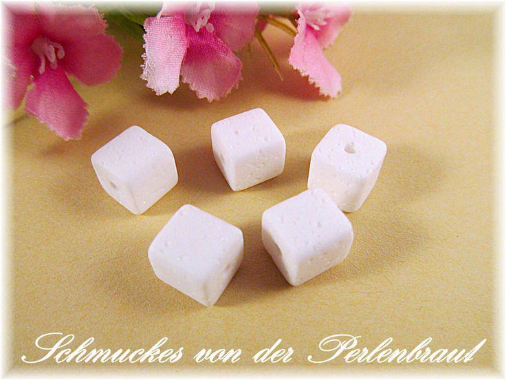 5 Polaris Würfel Gala Sweet 8x8 mm, Farbe weiss von Schmuckes von der Perlenbraut auf DaWanda.com