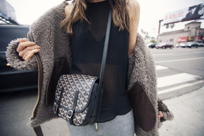 Goyard shoulder bag. SO chic.