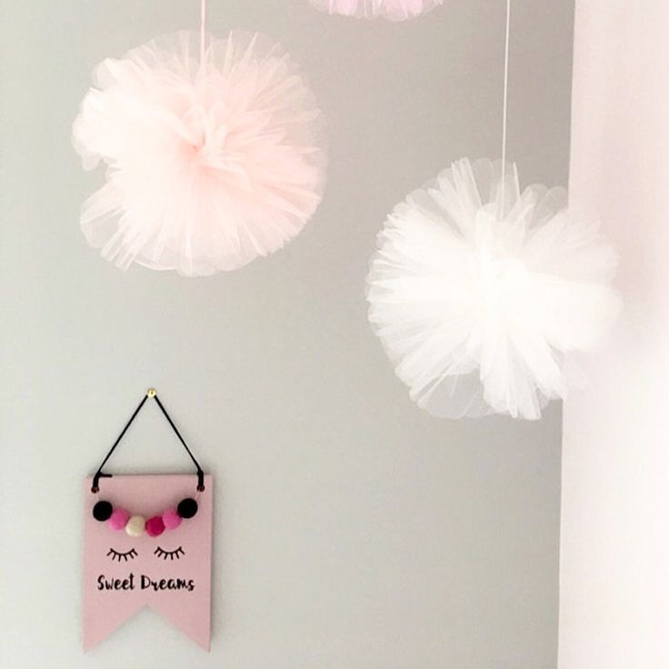 I love seeing my items in their new homes 💜 This sleepy lashes wooden sign looks fab amongst the giant tulle pom poms!