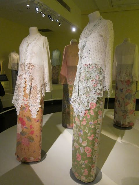 Todd & Liana: The Peranakan Museum #Kebaya