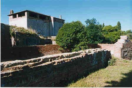 1. Dalla cinta medievale al fronte bastionato - Obiettivo Maremma