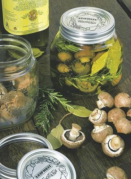 Champiñones en escabeche.conservar frutas y verduras
