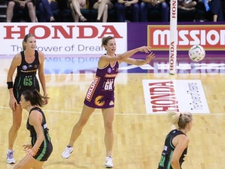Red hot Firebirds soar into second place - Queensland Firebirds returned to their dynamic best with a crushing 72-47 win over West Coast Fever in Perth on Sunday.