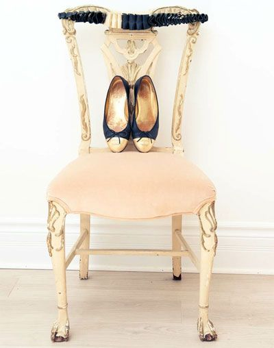 chanel ballet meets its match: Shoes, Chanel Flats, Style, Chairs, French Toast, Little Girls Rooms, Ballet Flats, Gold Accent, Houses Tours