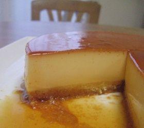 (Y-yum!! No worries if can't get cake batter spread evenly. It'll flattens while baking) 18cm丸型) ■ =カラメル= 砂糖60g 水大さじ1 熱湯大さじ2 ■ =プリン液= 卵L4個 牛乳500cc 砂糖70g バニラオイル(エッセンス)少々 ■ =スポンジ= 薄力粉35g 砂糖30g 卵1個 バター10g