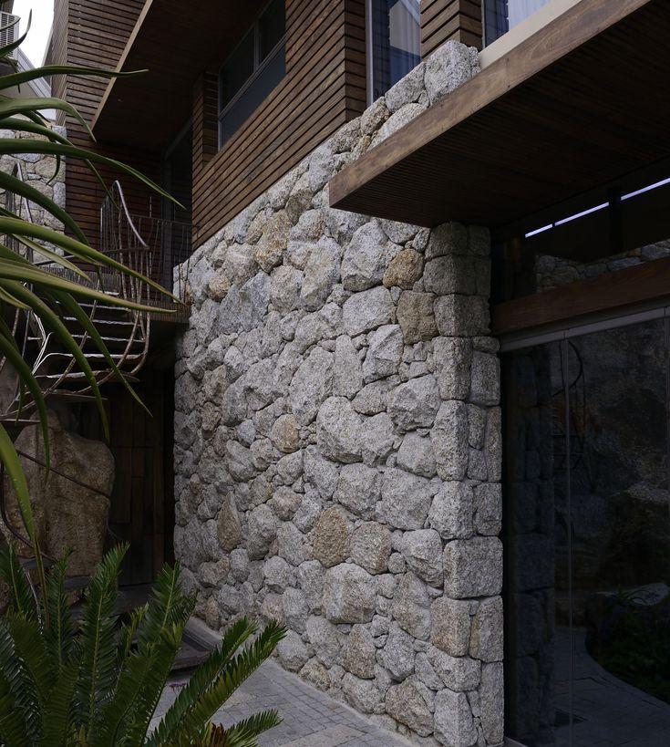 Cape Granite - large rock cladding