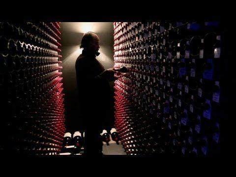 RED OBSESSION: Neste documentário, temos a chance de conhecer a história da obsessão chinesa por vinhos franceses, em especial os da região de Bordeaux. Narrado por Russell Crowe, o filme mostra como o país asiático vem se tornando um dos principais polos de aquisição da bebida, considerada fonte de turismo, gastronomia e luxo.